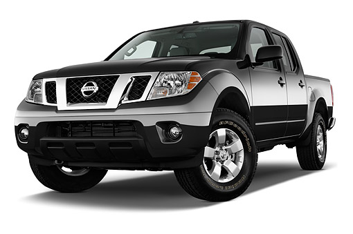 AUT 14 IZ2035 01 © Kimball Stock 2015 Nissan Frontier 4.0 SV Crew Cab 4x4 AT SWB 4-Door Truck 3/4 Front View In Studio