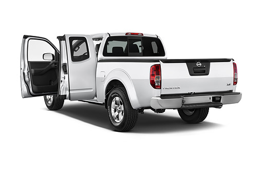 AUT 14 IZ2038 01 © Kimball Stock 2014 Nissan Frontier 4.0 SV King Cab 4x4 AT SWB 2-Door Truck 3/4 Rear View In Studio