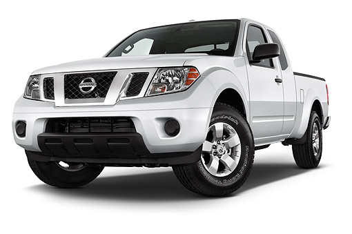 AUT 14 IZ2042 01 © Kimball Stock 2014 Nissan Frontier 4.0 SV King Cab 4x4 AT SWB 2-Door Truck Front View In Studio
