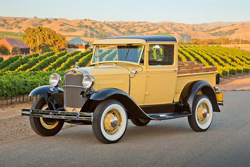 AUT 14 RK1785 01 © Kimball Stock 1930 Ford