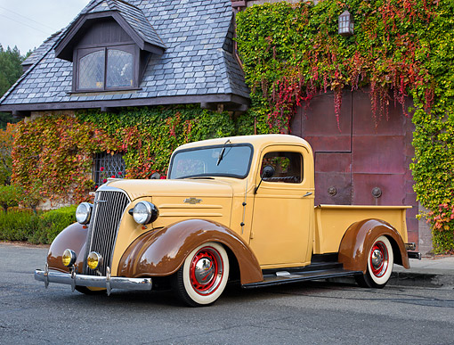 AUT 14 RK1985 01 © Kimball Stock 1937 Chevrolet Pickup 1/2 Ton Beige 3/4 Front View By House
