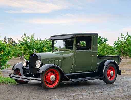 AUT 14 RK1992 01 © Kimball Stock 1929 Ford Model A Pickup Green 3/4 Front View By Orchard