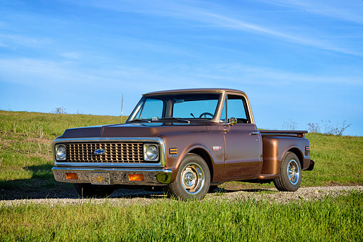AUT 14 RK2056 01 © Kimball Stock 1972 Chevrolet C-10 Pickup Copper 3/4 Front View On Grass Hills