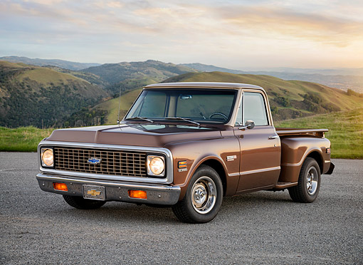 AUT 14 RK2057 01 © Kimball Stock 1972 Chevrolet C-10 Pickup Copper 3/4 Front View By Hills At Sunset