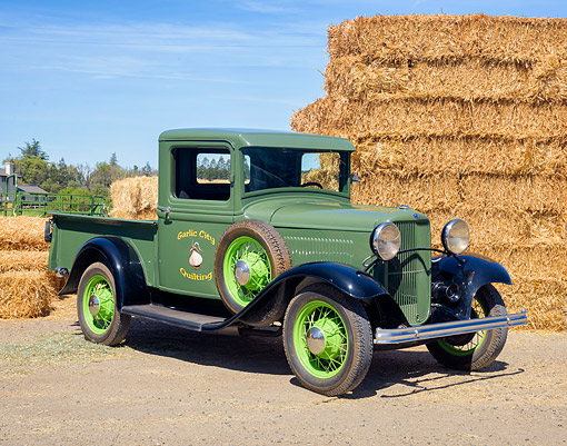 AUT 14 RK2064 01 © Kimball Stock 1932 Ford Model A Pickup Pea Green 3/4 Front View By Grassy Hills