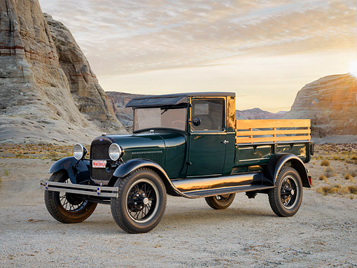 AUT 14 RK2080 01 © Kimball Stock 1932 Ford Pickup Green 3/4 Front View In Desert At Sunset