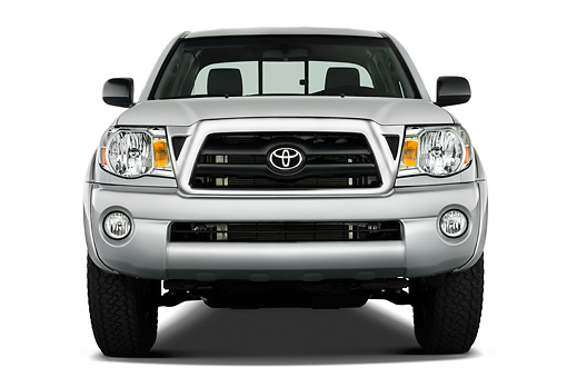 AUT 14 IZ0012 01 © Kimball Stock 2010 Toyota Tacoma Access Cab Pickup Truck Silver Head On View Studio