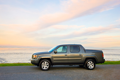 AUT 14 RK1358 01 © Kimball Stock 2008 Honda Ridgeline RTS Gray Profile View On Dirt By Water