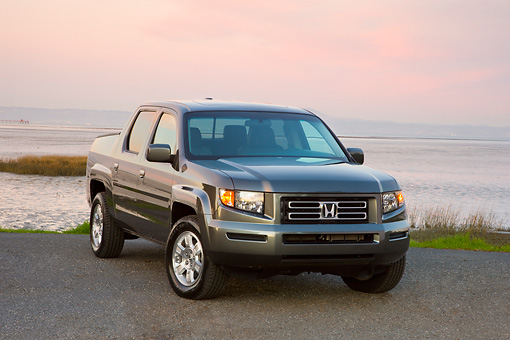 AUT 14 RK1360 01 © Kimball Stock 2008 Honda Ridgeline RTS Gray 3/4 Front View On Dirt By Water