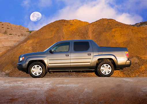 AUT 14 RK1381 01 © Kimball Stock 2008 Honda Ridgeline Pickup Truck Gray Profile View By Mountains