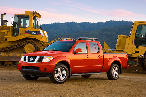 AUT 14 RK1386 01 © Kimball Stock 2008 Nissan Frontier Crew Cab LE Pickup Truck Red 3/4 Front View By Earthmovers