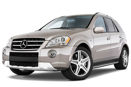 AUT 15 IZ0727 01 © Kimball Stock 2011 Mercedes-Benz ML63 Gray 3/4 Front View Studio