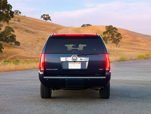 AUT 15 RK1207 01 © Kimball Stock 2007 Cadillac Escalade ESV Blue Rear View By Hills