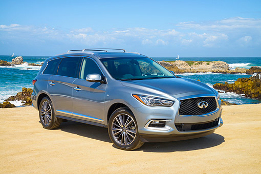 AUT 15 RK1366 01 © Kimball Stock 2016 Infiniti QX60 Silver 3/4 Front View By Ocean