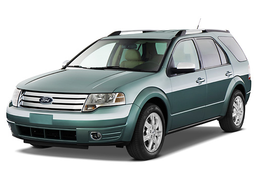 AUT 15 IZ0612 01 © Kimball Stock 2009 Ford Taurus X Limited Green 3/4 Front View Studio