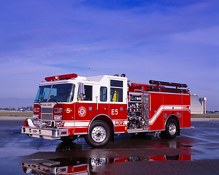 AUT 16 RK0053 02 © Kimball Stock 2001 Pierce Fire Truck 1500 GPM Pumper 3/4 Front View By Hangar
