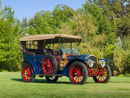 AUT 17 RK0197 01 © Kimball Stock 1910 Rambler Touring Blue 3/4 Front View On Grass By Trees