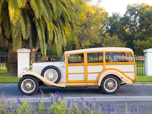 AUT 18 RK0753 01 © Kimball Stock 1929 Rolls-Royce 20 HP Station Wagon Cream Profile View On Pavement By Trees