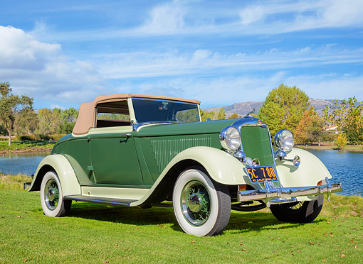 AUT 19 BK0015 01 © Kimball Stock 1933 Dodge DP Coupe Convertible Green 3/4 Front View By Lake