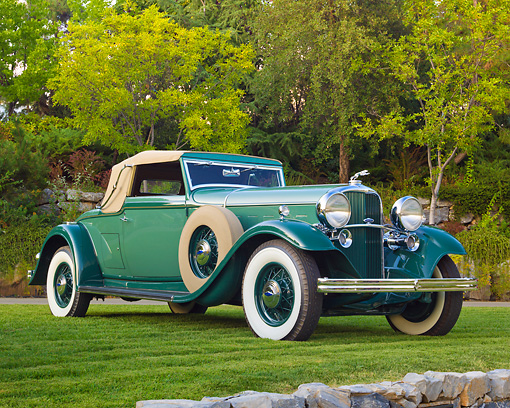 AUT 19 RK1016 01 © Kimball Stock 1932 Lincoln KB LeBaron Green 3/4 Front View On Grass By Trees