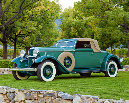AUT 19 RK1022 01 © Kimball Stock 1932 Lincoln KB LeBaron Green 3/4 Front View On Grass By Trees