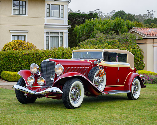 AUT 19 RK1189 01 © Kimball Stock 1933 Auburn Eight Salon Phaeton Sedan Maroon 3/4 Front View By Building