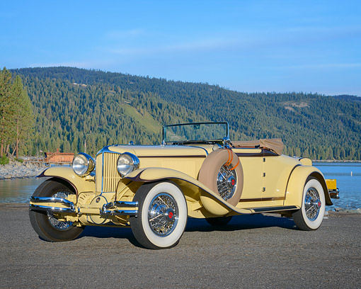 AUT 19 RK1210 01 © Kimball Stock 1930 Cord L-29 Cabriolet Beige 3/4 Front View By Lake