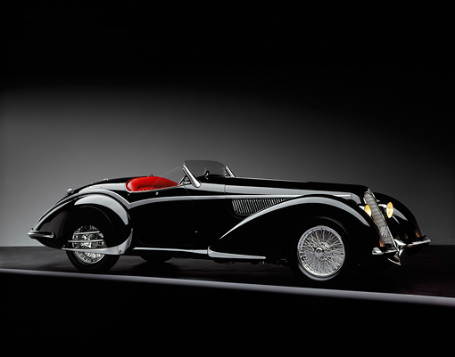 AUT 19 RK0007 05 © Kimball Stock 1937 Alfa Romeo 8C 2900B Spider Black 3/4 Side View Studio