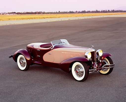 AUT 19 RK0538 03 © Kimball Stock 1931 Cord L29 Speedster Burgundy And Beige 3/4 Front View On Pavement