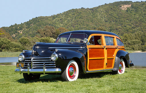 AUT 20 RK0673 01 © Kimball Stock 1941 Chrysler Town & Country Black 3/4 Front View On Grass By Lake
