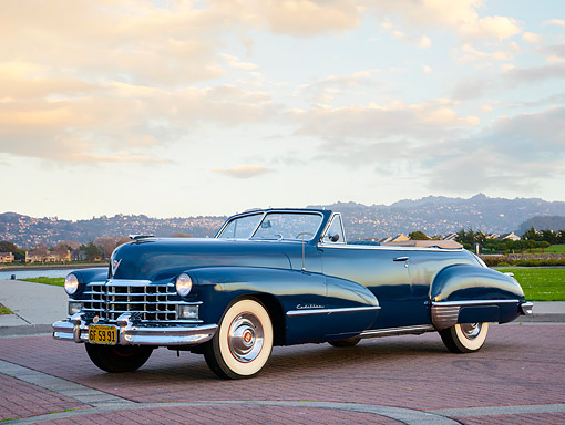 AUT 20 RK0756 01 © Kimball Stock 1947 Cadillac 6267 Convertible Blue 3/4 Front View By Bay