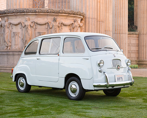 AUT 21 RK3361 01 © Kimball Stock 1950s Fiat 600 Multipla White 3/4 Front View On Grass By Palace Of Fine Arts