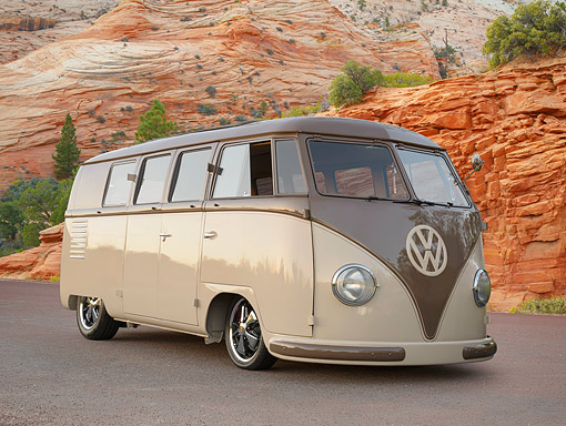 1954 Volkswagen Barndoor Split Window Bus Brown And Beige 34 Front