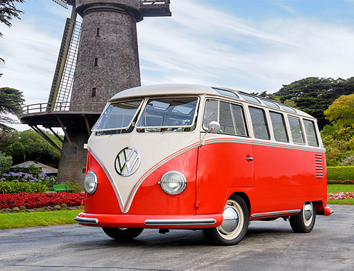 AUT 21 RK3761 01 © Kimball Stock 1959 Volkswagen 23-Window Bus Red 3/4 Front View By Windmill