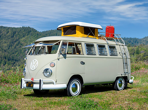 AUT 22 BK0548 01 © Kimball Stock 1967 Volkswagen Type 2 Westfalia Camper Beige 3/4 Front View By Mountains