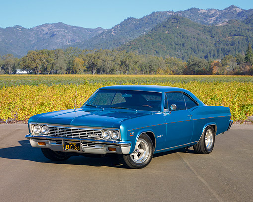AUT 22 RK2669 01 © Kimball Stock 1966 Chevrolet Impala SS Coupe Blue 3/4 Front View By Vineyard