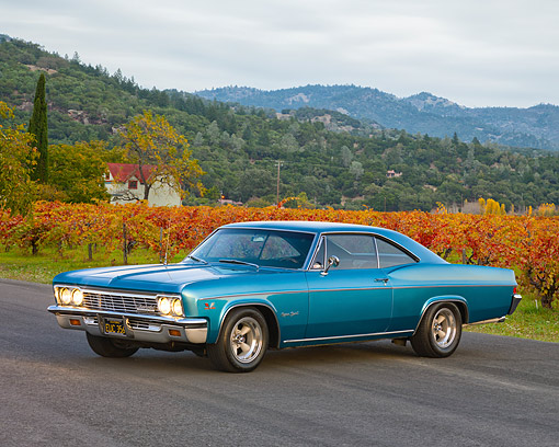 AUT 22 RK2675 01 © Kimball Stock 1966 Chevrolet Impala SS Coupe Blue 3/4 Front View By Hill