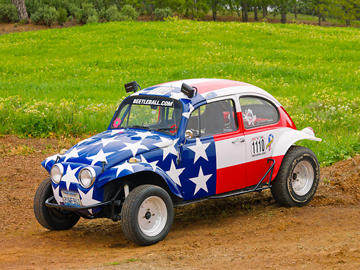 AUT 22 RK3201 01 © Kimball Stock 1967 Volkswagen Baja American Flag 3/4 Front View On Dirt By Field