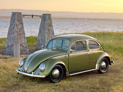 AUT 22 RK3215 01 © Kimball Stock 1963 Volkswagen Beetle Green 3/4 Front View On Grass By Water