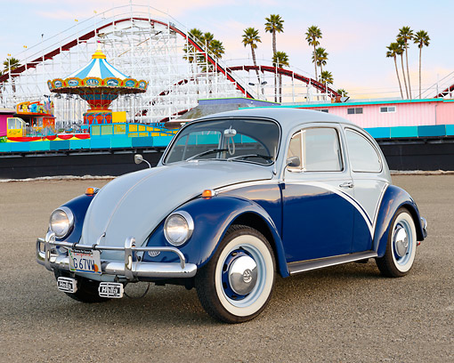 AUT 22 RK3461 01 © Kimball Stock 1967 Volkswagen Beetle Blue And Aqua 3/4 Front View On Pavement By Carnival
