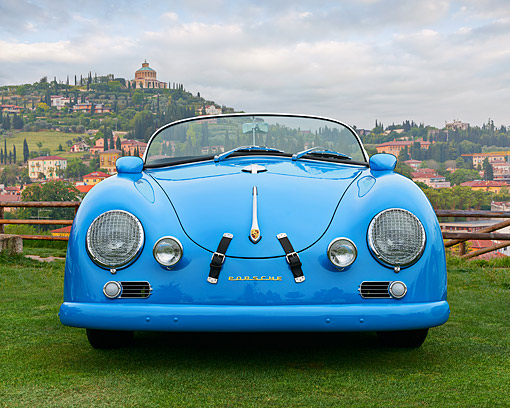AUT 22 RK3528 01 © Kimball Stock 1960 Volkswagen Porsche 356 Carrera GS/GT Replica Blue Front View On Grass By Hills