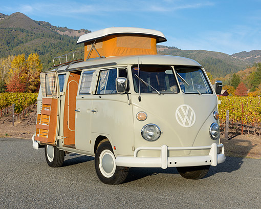 AUT 22 RK3562 01 © Kimball Stock 1966 Volkswagen Camper Cream 3/4 Front View On Pavement By Vineyard