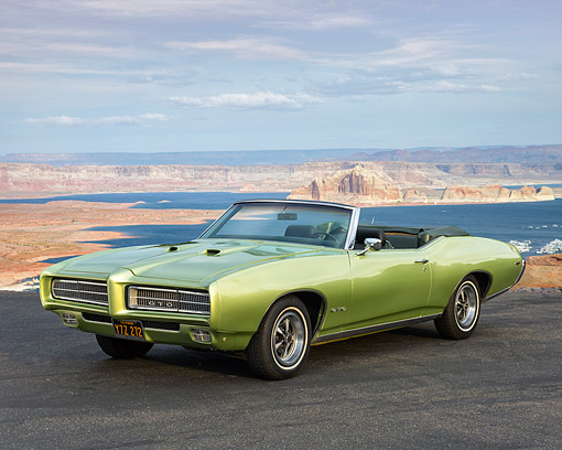 AUT 22 RK3625 01 © Kimball Stock 1969 Pontiac GTO Limelight Green 3/4 Front View By Fancy Hotel