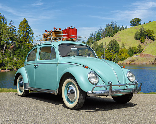 AUT 22 RK3737 01 © Kimball Stock 1963 Volkswagen Beetle Aqua Green 3/4 Front View By Lake