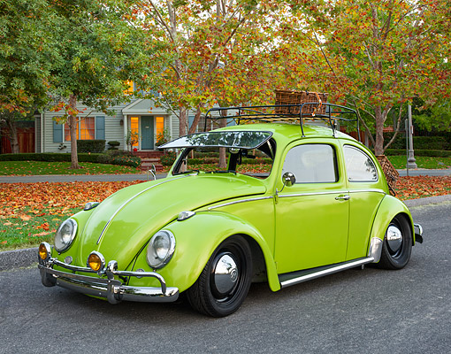AUT 22 RK3739 01 © Kimball Stock 1963 Volkswagen Bug Green 3/4 Front By House