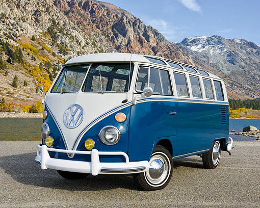 AUT 22 RK3751 01 © Kimball Stock 1967 Volkswagen 21 Window Bus Blue 3/4 Front View By Mountain Lake