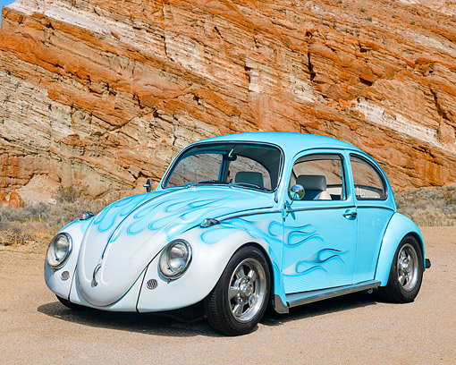 AUT 22 RK3757 01 © Kimball Stock 1968 Volkswagen Beetle Blue With Flames 3/4 Front View By Desert Rock