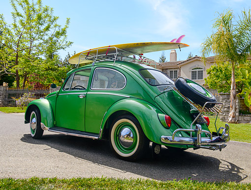 AUT 22 RK3759 01 © Kimball Stock 1965 Volkswagen Beetle Square Window Metallic Green 3/4 Rear View By House