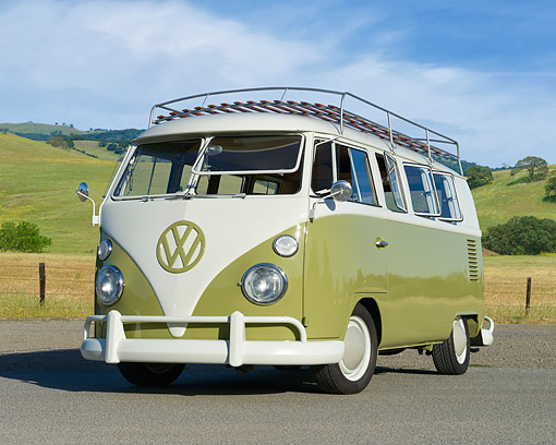 AUT 22 RK3781 01 © Kimball Stock 1966 Volkswagen Kombi Bus Green 3/4 Front View By Grassy Hills
