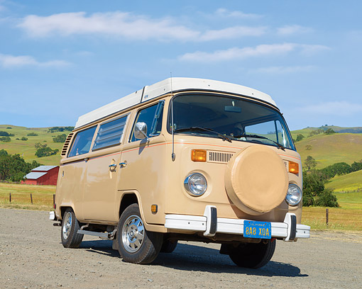 AUT 22 RK3782 01 © Kimball Stock 1979 Volkswagen Westfalia Bus Beige /4 Front View On Pavement By Farm